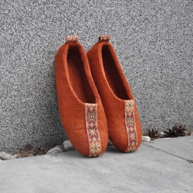 Тапочки Wool Slippers