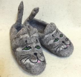 Тапочки войлочные «Хвостатые коты» 03